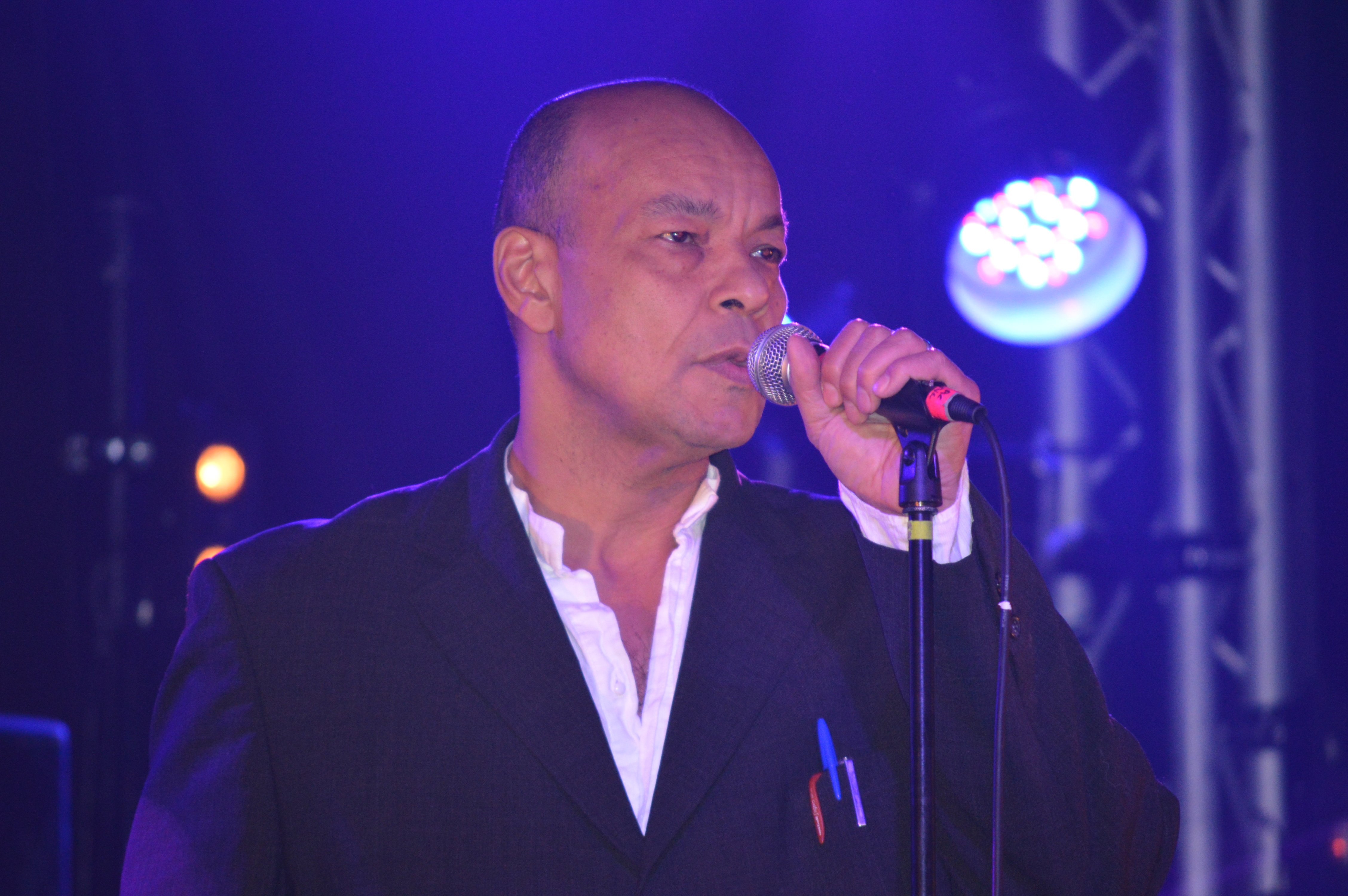 Roland gift concorde 2 brighton thurs 14th dec 2017 get out its not surprising that his fine young cannibals material gets the greatest response they kick off with suspicious minds gifts distinctive voice negle Image collections